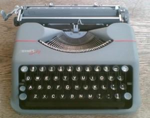 typewriter hermes baby
