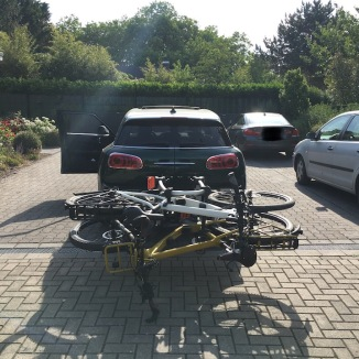 Mini Clubman with hitch bike rack rear 2